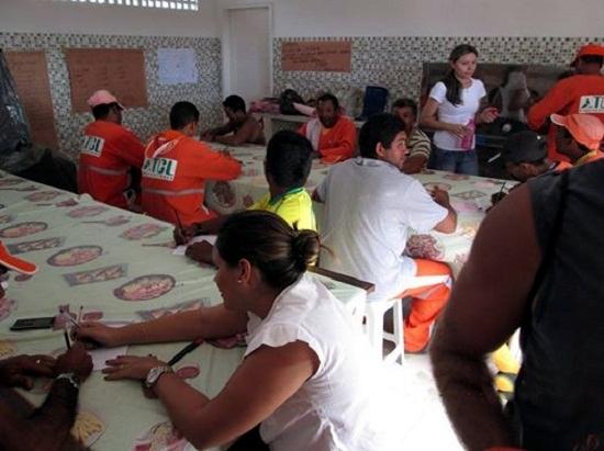 Função social: Os funcionários da TCL também recebem aulas de alfabetização da EJA (Foto de 20/05/2014)
